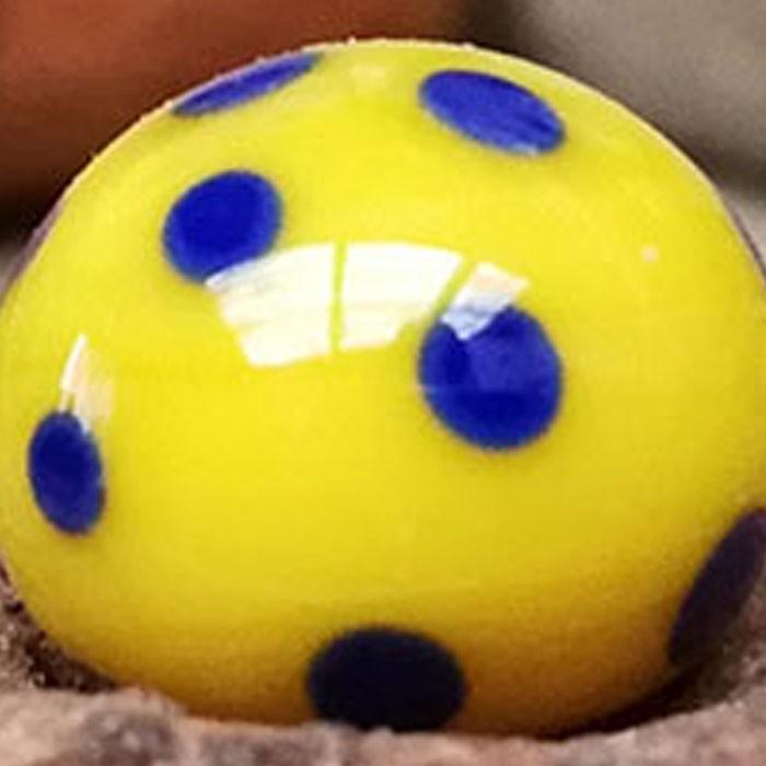 amarillo limón con lunares lapislázuli