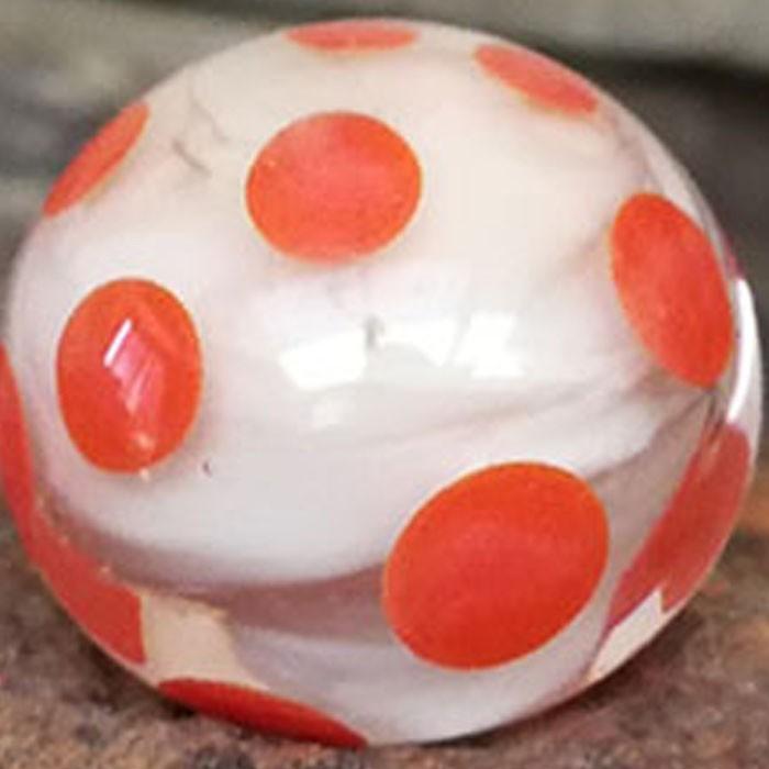 marfil claro con capa transparente y lunares naranjas