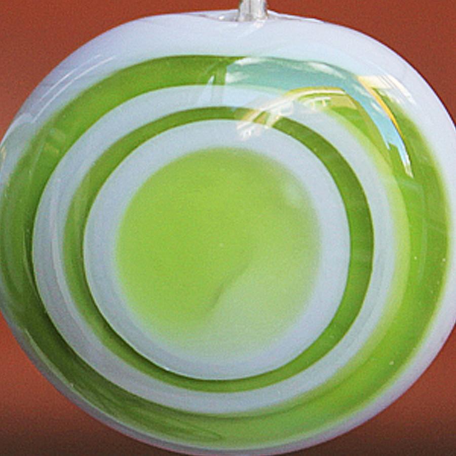 gris claro con puntos verde lima claro transparente superpuestos