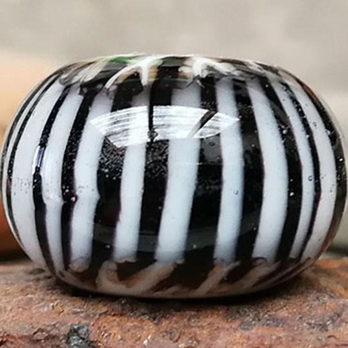 blanco con franja negra, líneas verticales blancas y capa de transparente