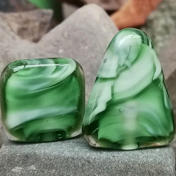 blanco, verde botella transparente y transparente