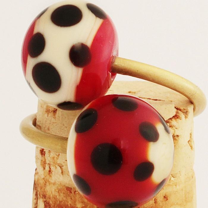 rojo pintalabios con franja marfil claro y lunares negros-marfil claro con franja roja y lunares negros