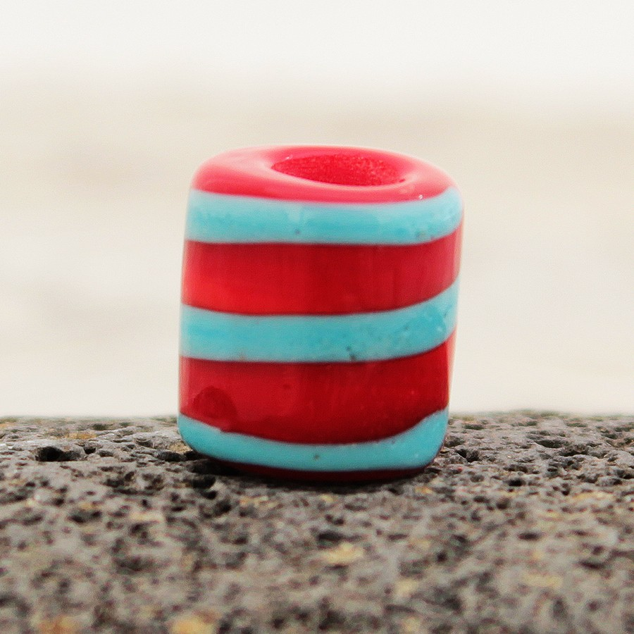 cilindro rojo claro con espiral turquesa claro