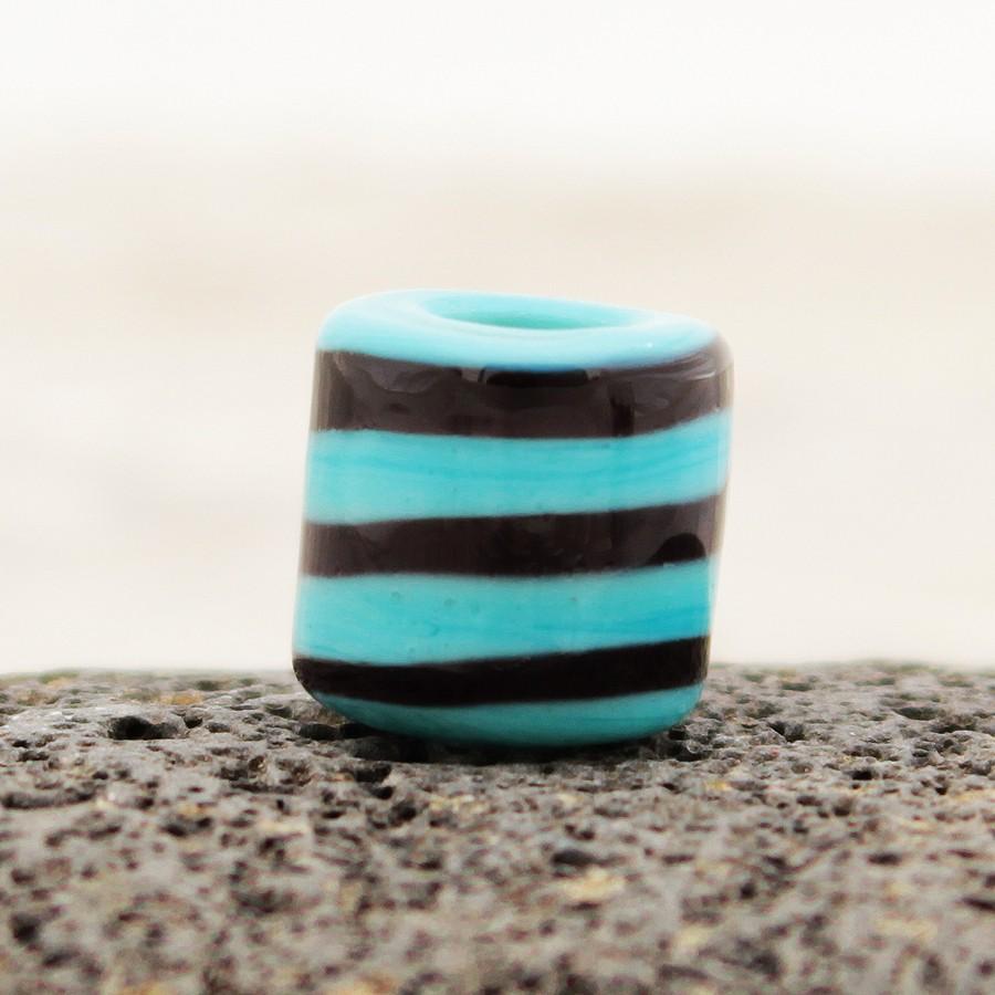 turquesa claro con espiral negra