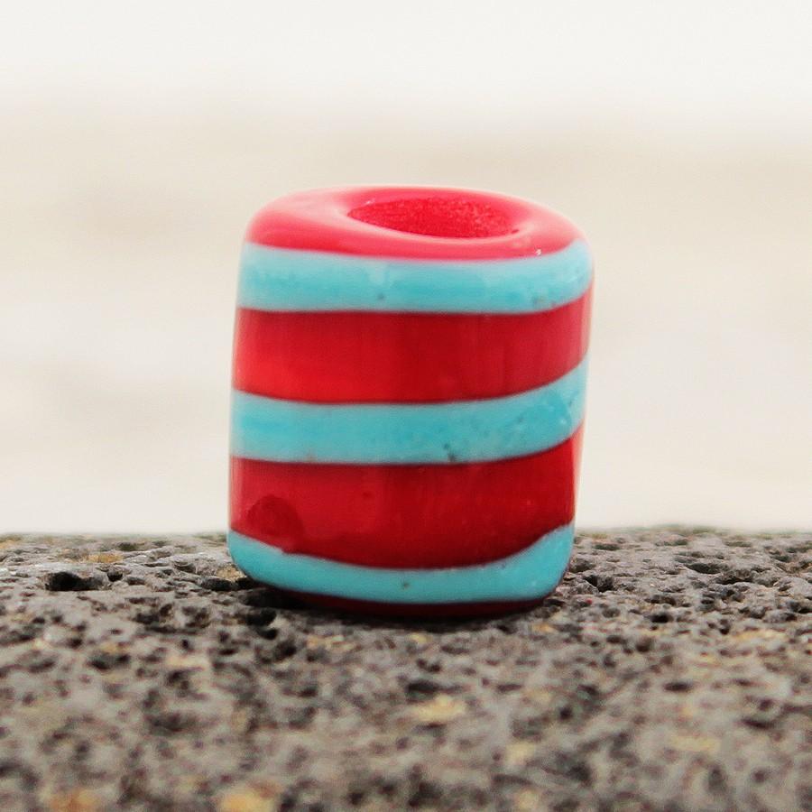 rojo claro con espiral turquesa claro