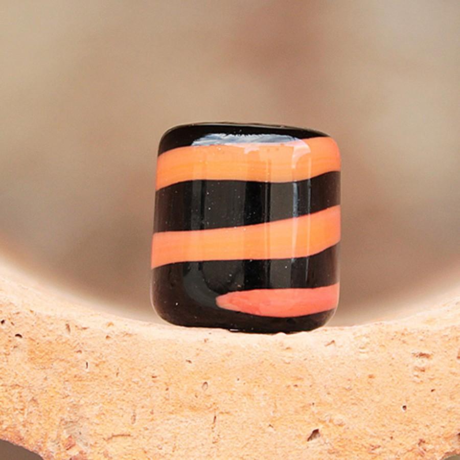 negro con espiral naranja coral