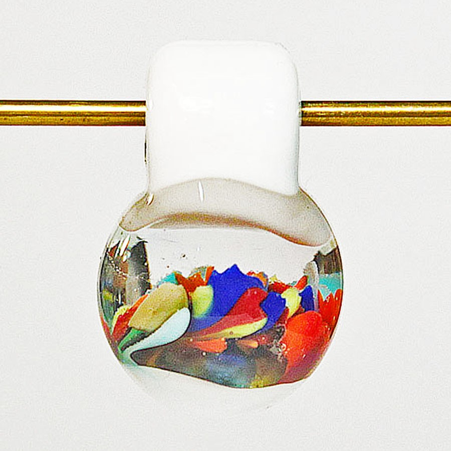 gota redonda blanca y transparente con implosiones pequeñas tuti colori
