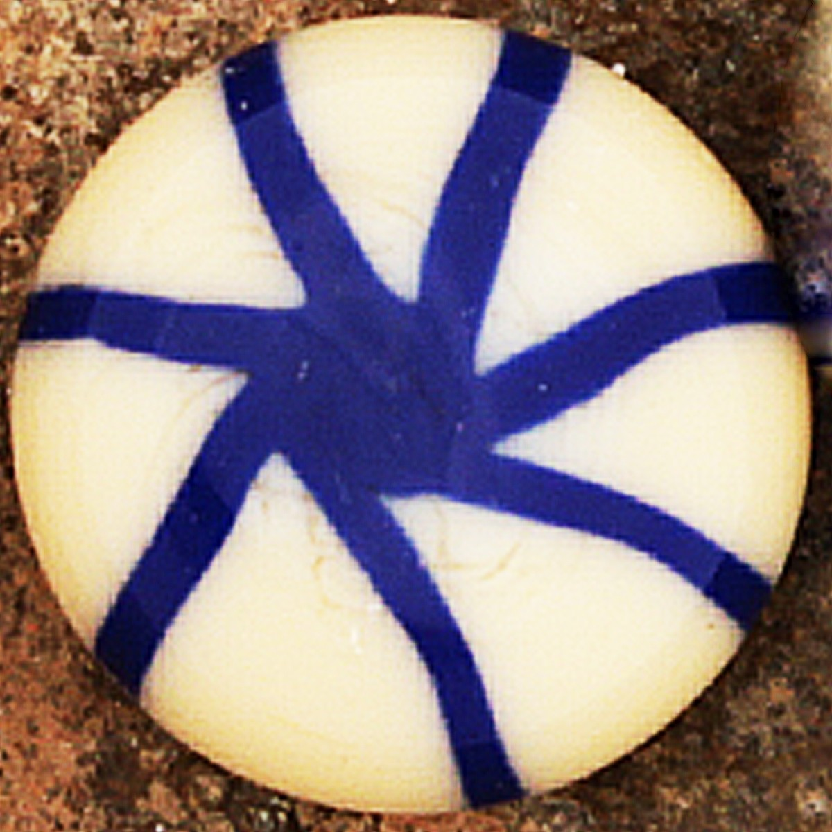 marfil claro con rayas lapislázuli dibujando asterisco