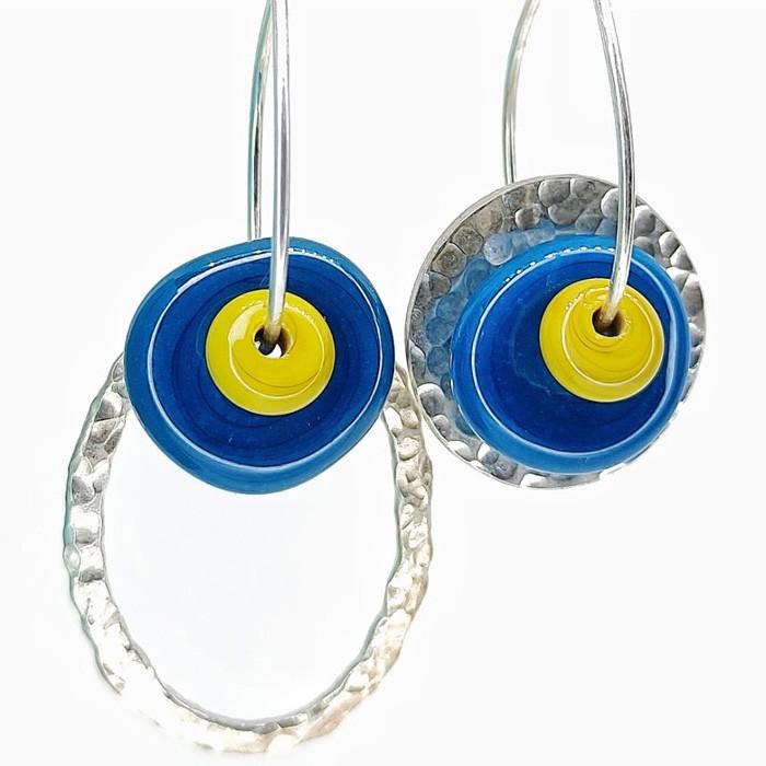 disco azul navy bullseye y arandela mostaza